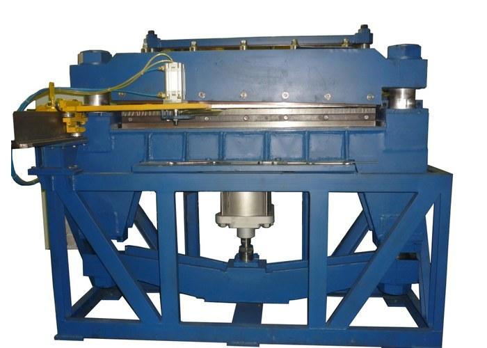 Пневматическая гильотина для рубки металла